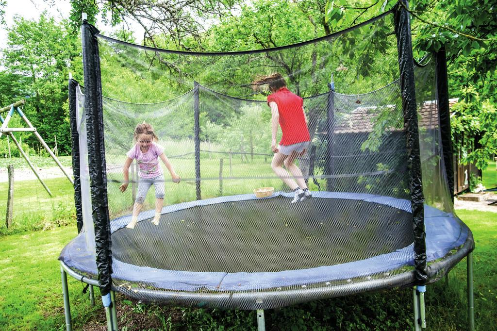 trampolina - příčina častých úrazů dětí